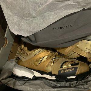 Balenciagas Gold Track 1 Sneaks sz. 43